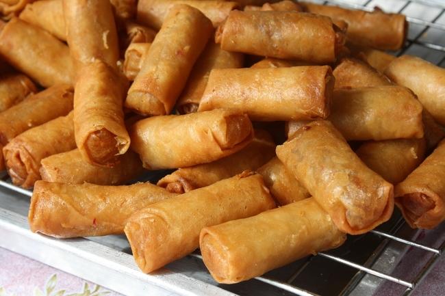 Thai vegan snacks: Spring rolls