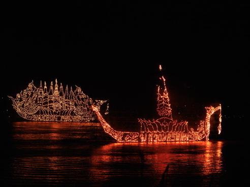 loy krathong, loi krathong, festival, thailand, thai, culture, region, province, illuminated boat procession, lai lea fai