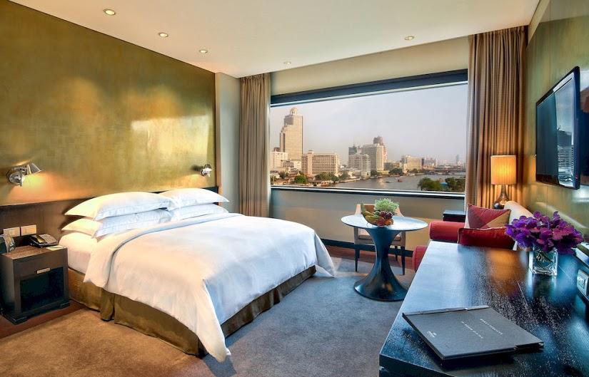 local, day, trip, bangkok, local expert, things to do in Bangkok, loy krathong, millennium hilton, hilton, hotel, chao phraya river
