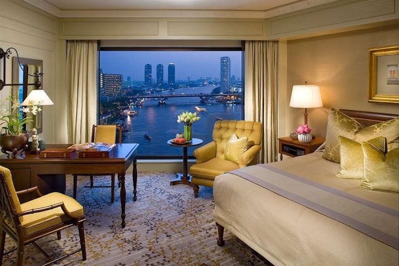 local, day, trip, bangkok, local expert, things to do in Bangkok, loy krathong, mandarin oriental, hotel, chao phraya river