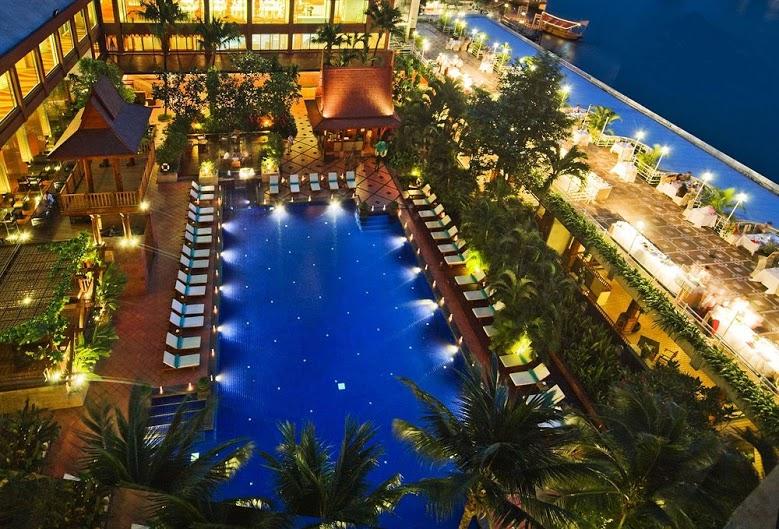 local, day, trip, bangkok, local expert, things to do in Bangkok, loy krathong, ramada, hotel, chao phraya river