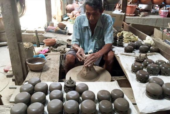 things to do in bangkok, bangkok, koh kred, pottery, clay pot