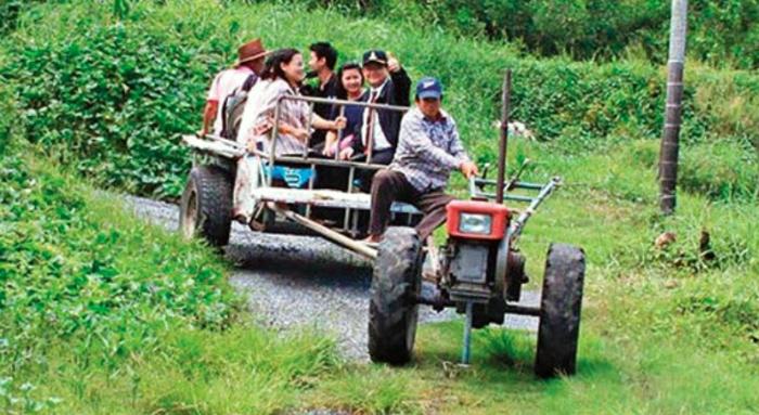things to do in bangkok, bangkok, cultural experience, community, tractor, boat trip in Bangkok, ayutthaya, boat trip, boat trips in Bangkok