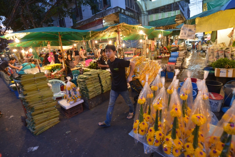 things to do in bangkok, bangkok, old town, flower market, sightseeing