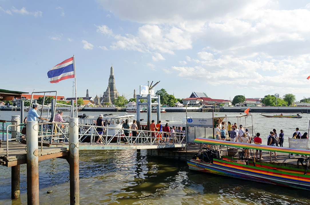 local, day, trip, bangkok, old town, local expert, things to do in Bangkok, loy krathong, tha thien,  pier