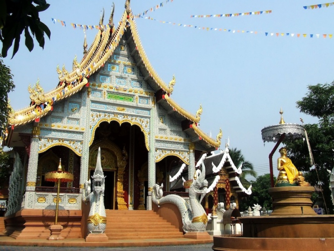 cycling in Thailand_chiangmai_temple