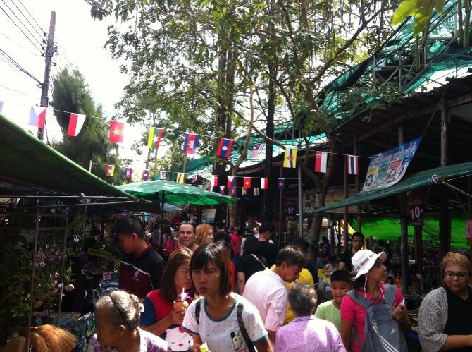 floating market in Bang Ka Jao