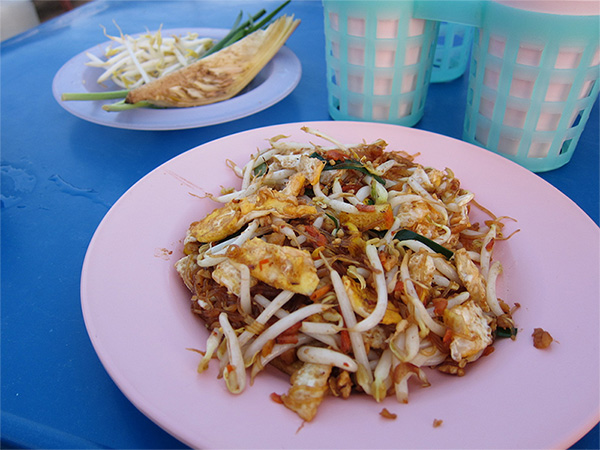 stir-fried noodles, noodle, thai noodle, bangkok