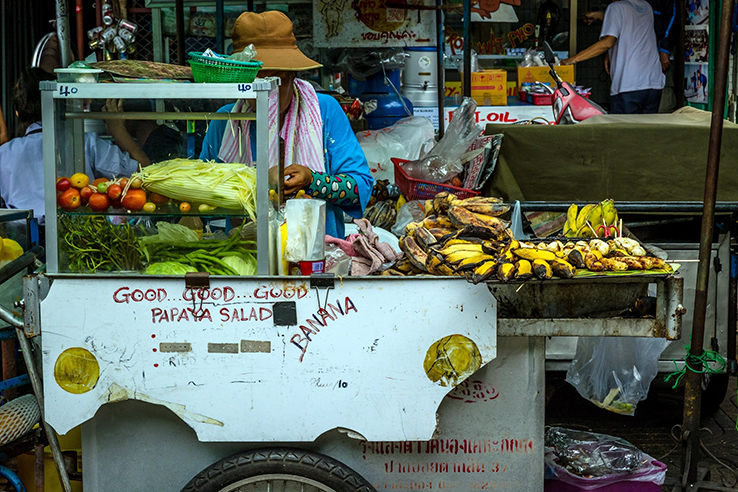 traveling thailand food vendor