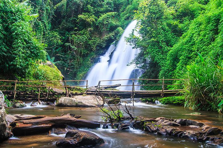 things to do, things to do in chiang mai, chiang mai, waterfalls, pha do view