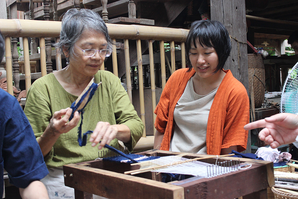 traveling to thailand, thailand, looking for, learning, weave, textile