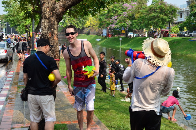 Songkran day dos and donts guides