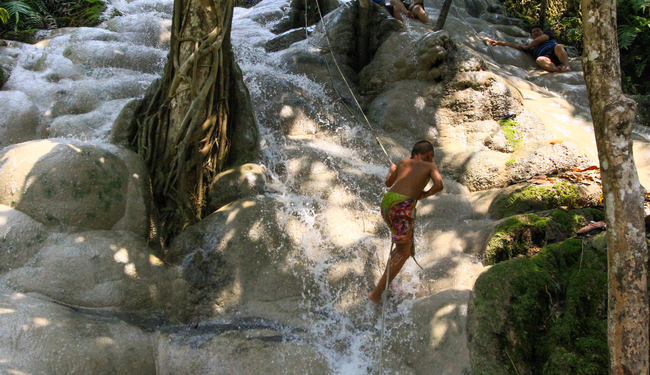 Meet the Local Expert Khun Piangduan Sticky Waterfall