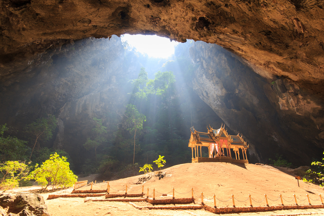 Romantic Places in Thailand for Honeymoon and Couples All is calm, all is bright in Phraya Nakhon Cave, Prachuab Kirikhan