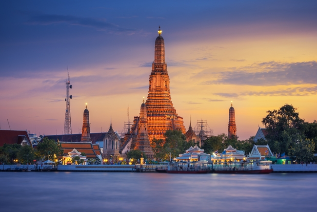 Temples on Thai coins: Wat Arun or the Temple of Dawn in Bangkok