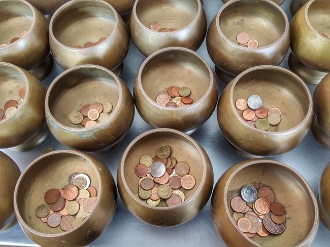 Temples on Thai coins