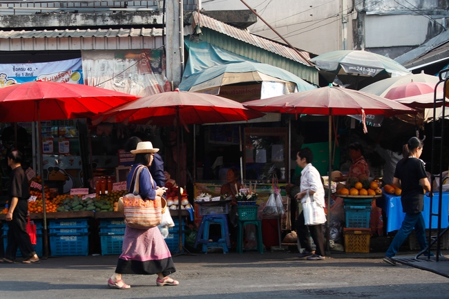 Meet the Local Expert Khun Aoy Local Market
