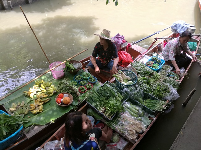 Where to go in Bangkok: Khlong Lat Mayom Floating Market