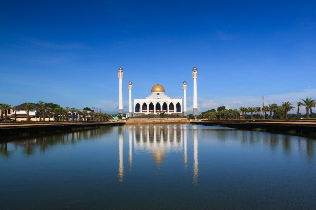 Take limited photos at Songkhla Central Mosque! It's one of the best things to do in Hat Yai