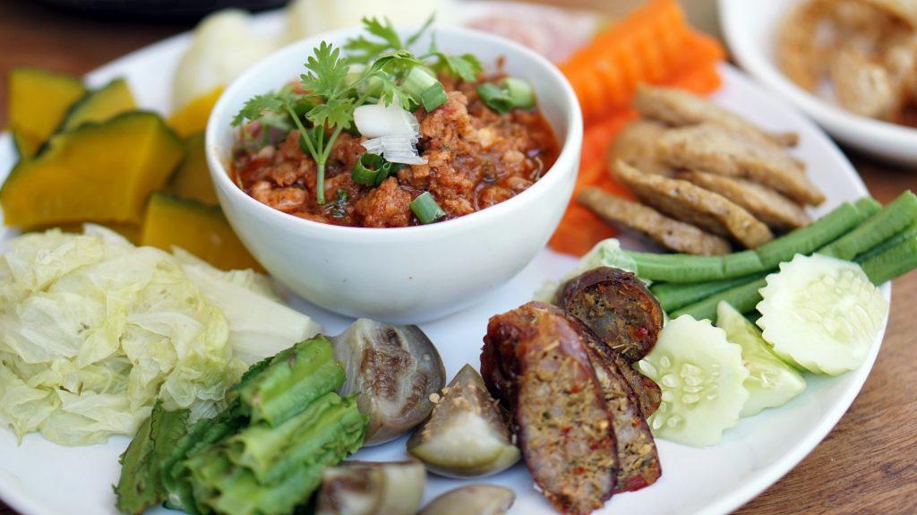 Nam Prik Ong, Chiang Rai food to eat, Sai Ua, Vegetables, Chili dip