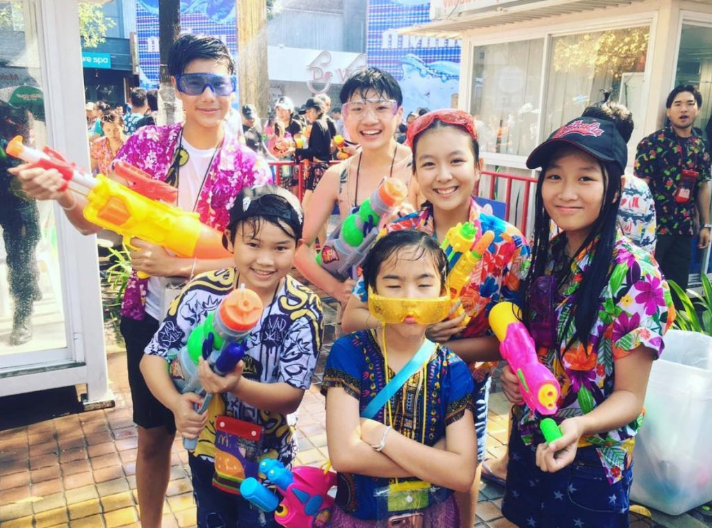 This image has an empty alt attribute; its file name is songkran-siam-1024x760.jpg